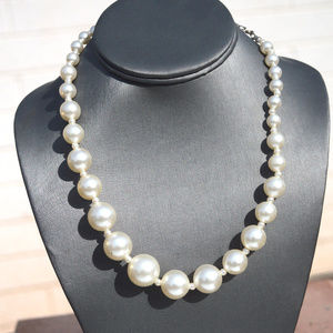 Vintage Gradated Faux Pearl Beaded Necklace VTG